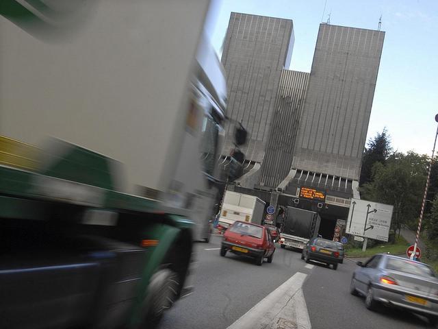 Tunnel de Fourvière : un système pour détecter les camions hors gabarit