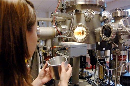 Le débat sur les nanotechnologies perturbé à Lyon