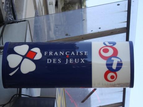 Rhône: un joueur du loto empoche 5,5 millions d'euros