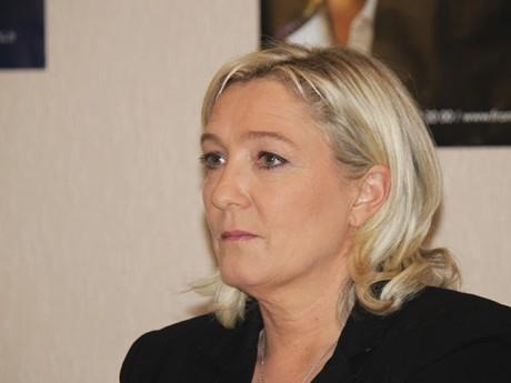 """L'association lyonnaise """"Au nom du peuple"""" demande au FN de changer de slogan"""