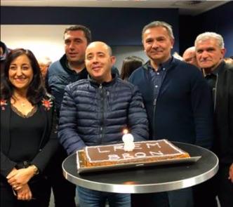Les deux comités rassemblés pour célébrer l'anniversaire du comité de Hervé Galland - DR ©LREMbron