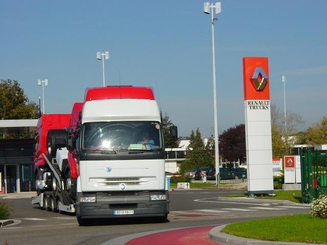 Près de 300 salariés de Renault Trucks en grève mercredi