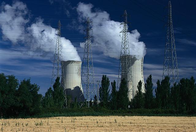 Y-aura-t-il un réacteur nucléaire dans le Rhône ?