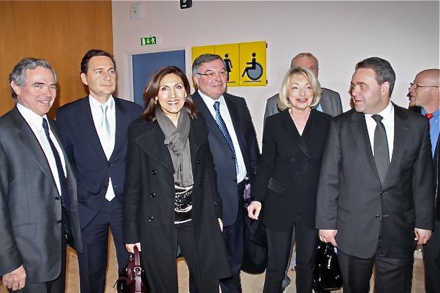 Meeting UMP: Bertrand et Besson en guest stars