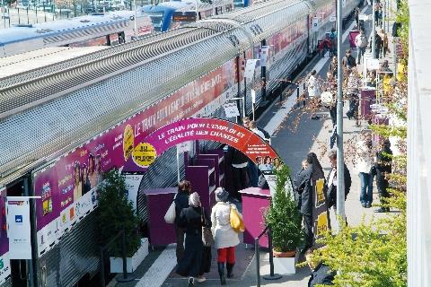 Plus de 200 postes et offres de formation proposés à bord du Train de l'emploi et l'Egalité des chances
