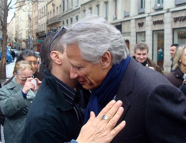 De Lyon, Villepin donne une leçon de diplomatie à Sarkozy