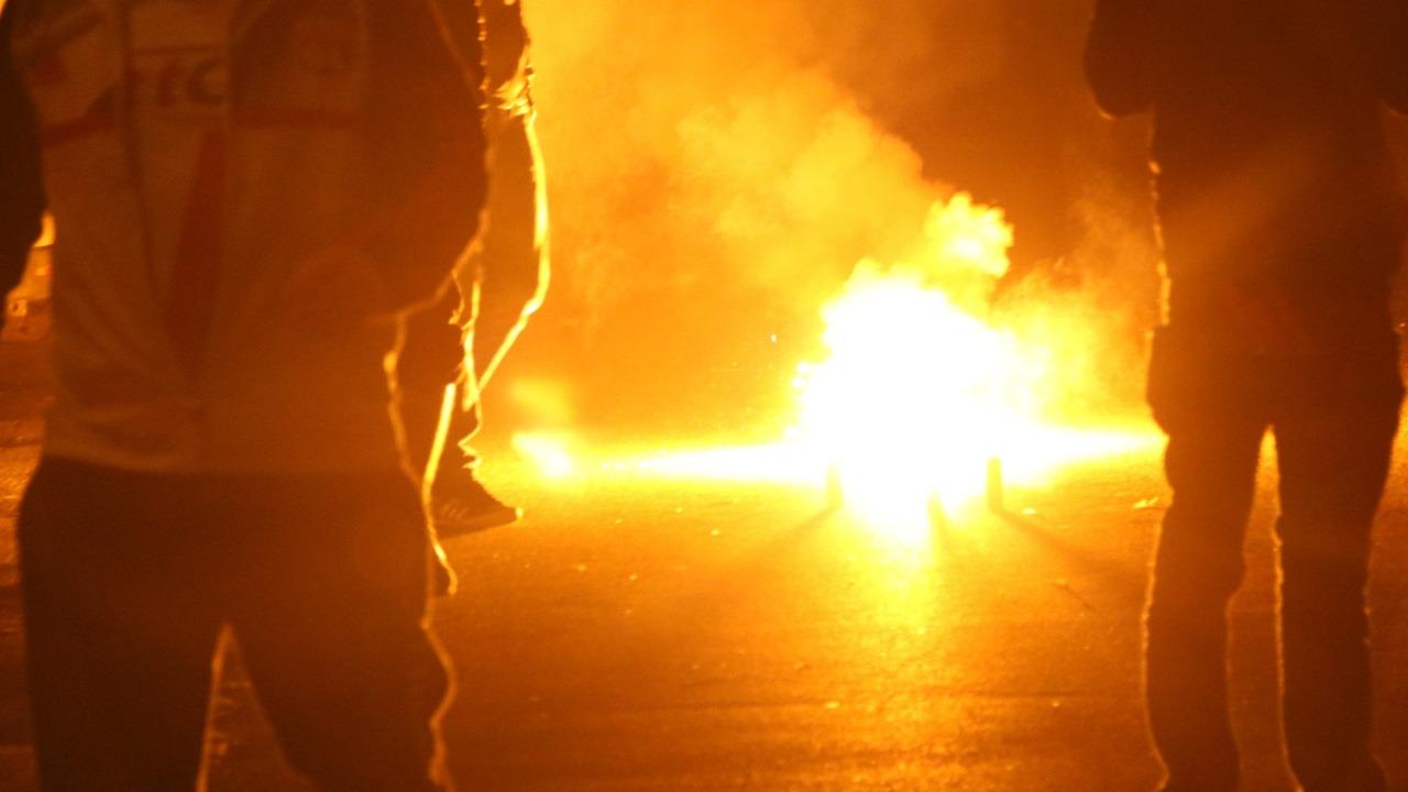 MJC saccagée, voitures brûlées : scènes de chaos à Rillieux en banlieue de Lyon - VIDEO
