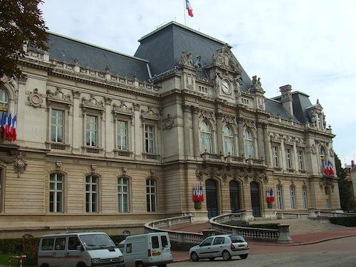Fête nationale : la Préfecture et l'Hôtel du Département font ceinture