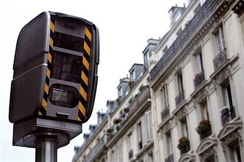 Un nouveau radar aux feux rouges mis en service à Lyon