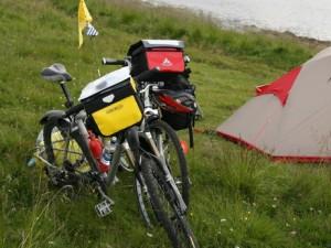 702 km de vélo pour défendre leur entreprise