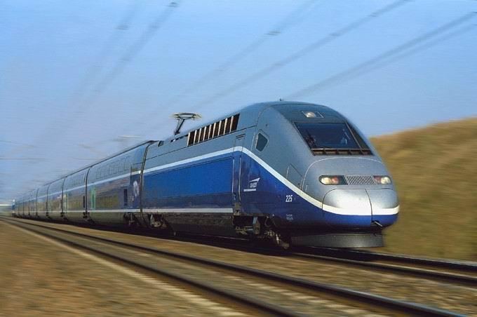 Deux heures de retard et un trajet en taxi pour les passagers de deux TGV