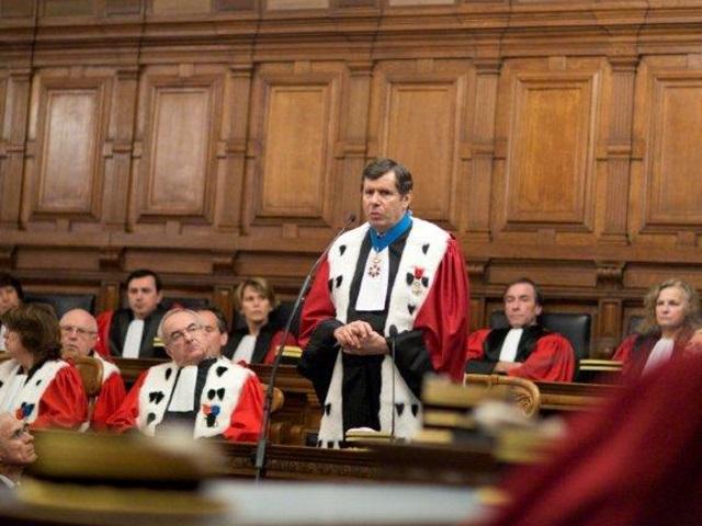 L'ancien procureur général de Paris devient avocat au barreau de Lyon