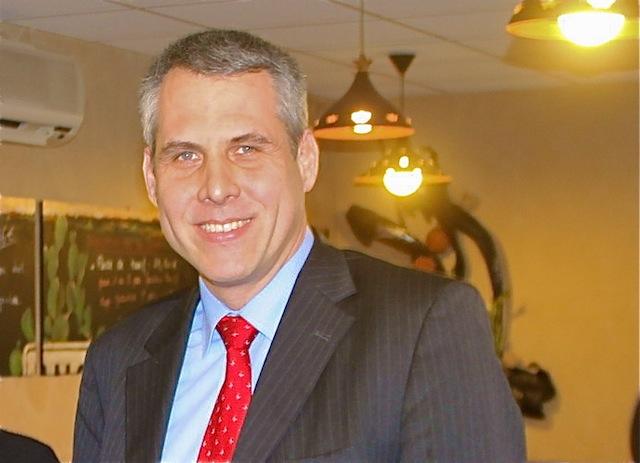 Philippe Meunier organise un apéro saucisson-pinard à l'Assemblée nationale