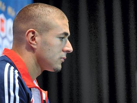 """Karim Benzema dit ne pas se sentir concerné par l'affaire du """"Zaman café"""""""