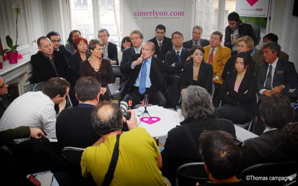 Collomb ouvre ses listes à la société civile