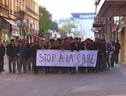 Une trentaine de manifestants dit « Stop à la casse »