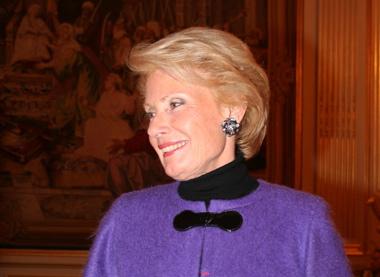 L'ancienne conseillère municipale lyonnaise Monique Raimond décorée par Nicolas Sarkozy