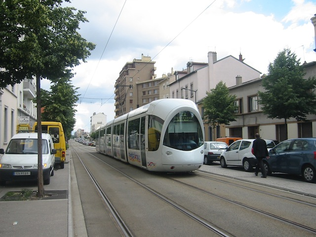 Une collision lundi matin à Lyon entre un tram et un camion