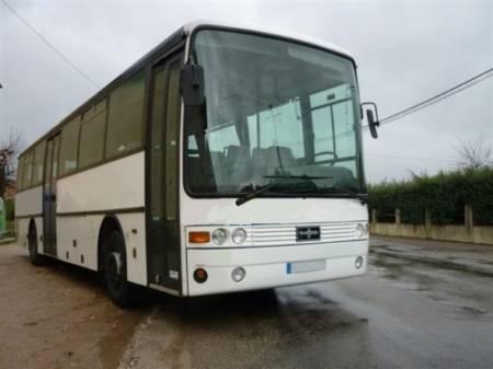 Deux élèves âgés de 11 ans éjectés de leur bus scolaire dans le Beaujolais