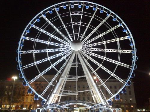 Bellecour : la grande roue tourne illégalement