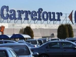Débrayage à l'hypermarché Carrefour de Villeurbanne