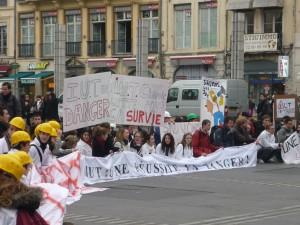 Des étudiants en travail social squattent les locaux de la DASS dans le 3e arrondissement
