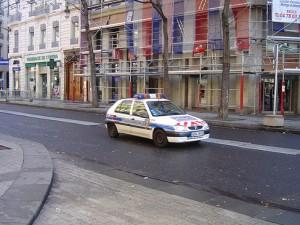 Deux policiers blessés lors d'un contrôle