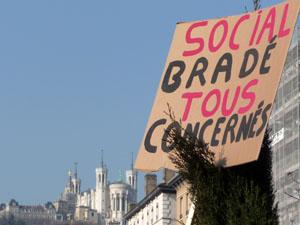 Entre 150 et 300 professionnels de l'urgence sociale en grève aujourd'hui