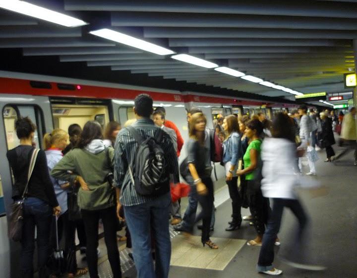 Faire sa déclaration d'impôt dans le métro
