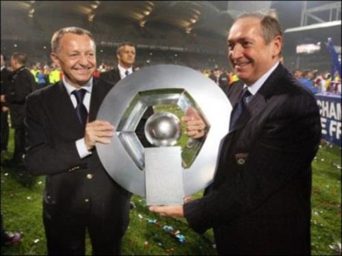 Football : Retour en Angleterre pour Gérard Houllier?