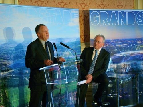 """Grand Stade: Aulas ne veut plus être l'""""otage"""" des politiques"""