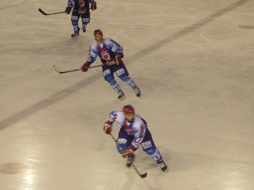 Hockey: match capital pour le LHC