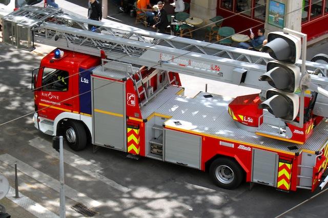 Un mort dans un violent incendie mardi matin à Lyon (9e)