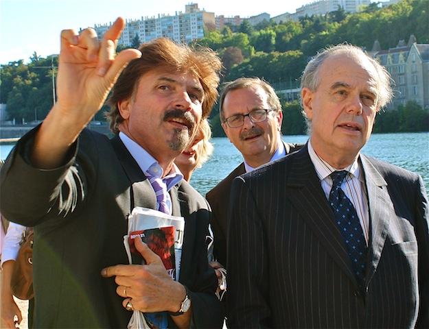 Hollande croise un Mitterrand à la Biennale de Lyon : « J'y ai vu comme un symbole »