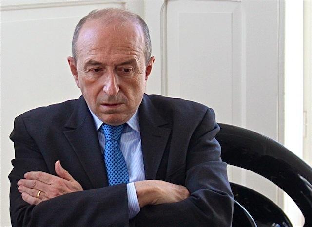 """Gérard Collomb : DSK doit faire preuve """"d'humilité"""""""