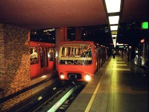 La ligne D du métro à l'arrêt entre Vaise et Saxe Gambetta