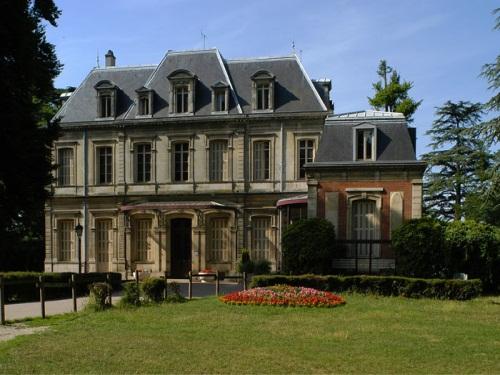 La mairie de Sathonay Village porte plainte
