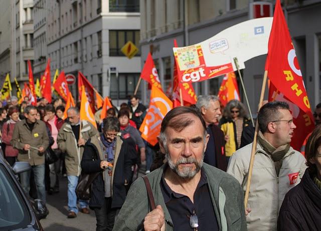 La moitié des agents commerciaux de la Poste dans le Rhône était en grève mardi
