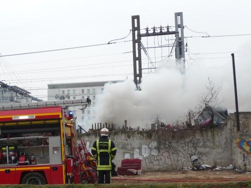 Les Roms ont 6 mois pour quitter le terrain occupé rue Paul Bert, le long des lignes SNCF