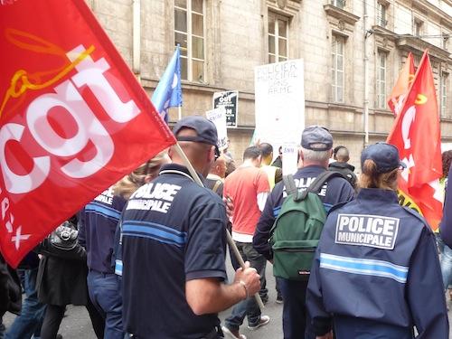 Les policiers municipaux sont descendus dans la rue
