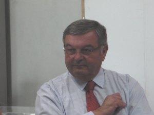 Michel Mercier se voit encore président
