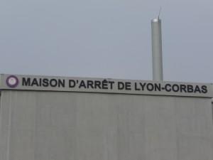 Rassemblement du collectif justice jeudi devant la prison de Corbas