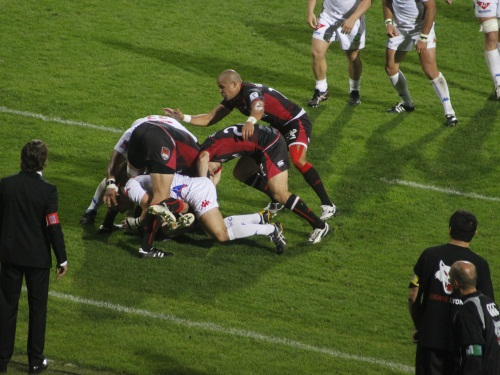 Rugby: choc de titan pour le LOU