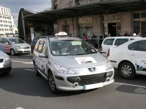 Un faux taxi contrôlé par les policiers