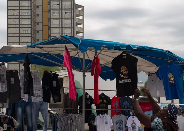 La police a démantelé jeudi le marché sauvage des Minguettes