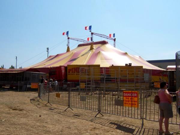Le trapéziste du cirque Pinder souffre d'une clavicule fracturée