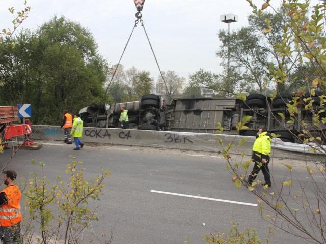Photo de l'accident sur l'A42 - Photo LyonMag.com