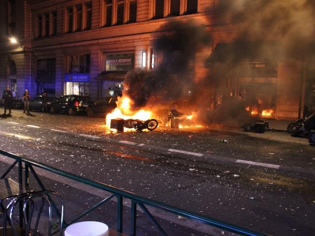 Cinq scooters du Sushi Shop en flammes - LyonMag