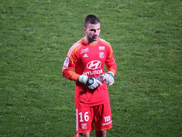 Anthony Lopes (OL) forfait pour le déplacement à Nantes