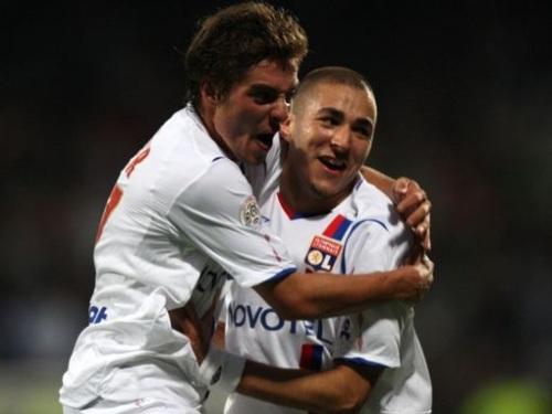 Anthony Mounier (à gauche) à la belle époque de l'OL avec Karim Benzema - DR